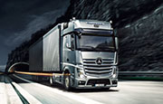 L'Actros Mercedes-Benz camion pour transport long-courrier